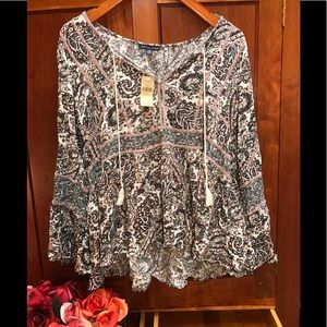 American Eagle Outfitters top. NEW! W/Tags.